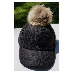 Accessories - Faux Fox Fur Pom Pom Black Baseball Hip-Hop Hat